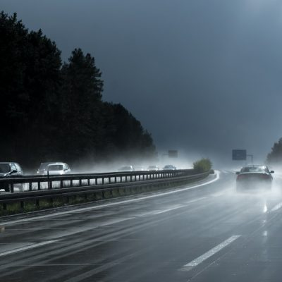 How to Handle your Car When Hydroplaning