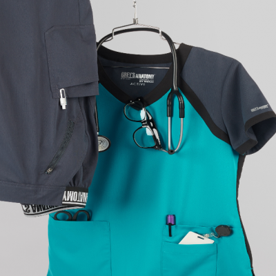 Quick Tips to Keep Your Scrubs Squeaky Clean